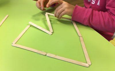 Bygg med glasspinnar.